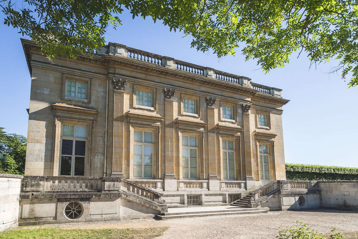 Façade nord du Petit Trianon, Jardins de Versailles