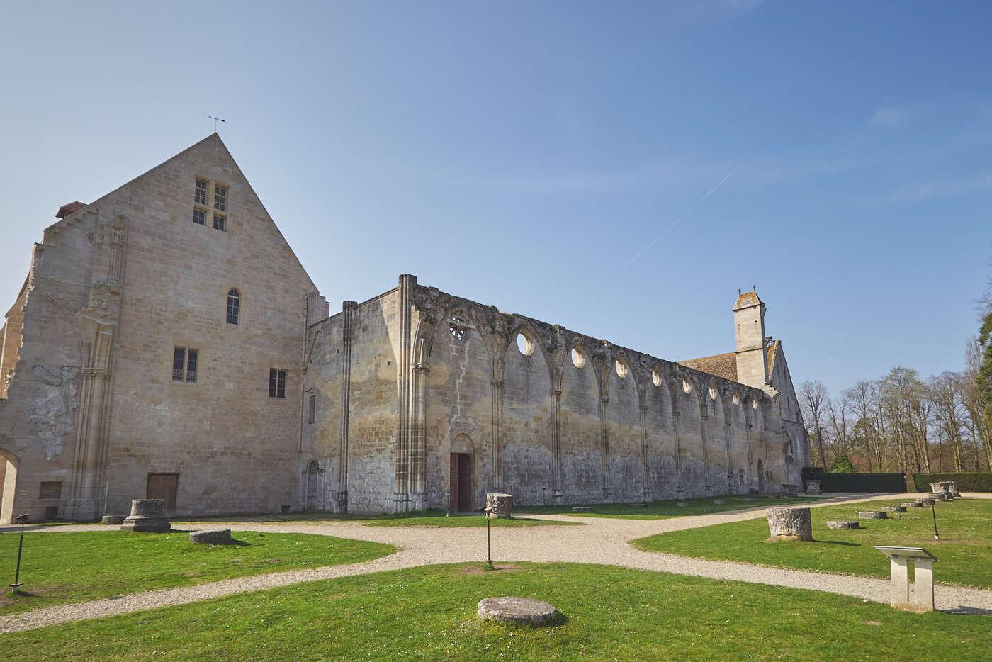 Ruines abbatiale abbaye de Royaumont