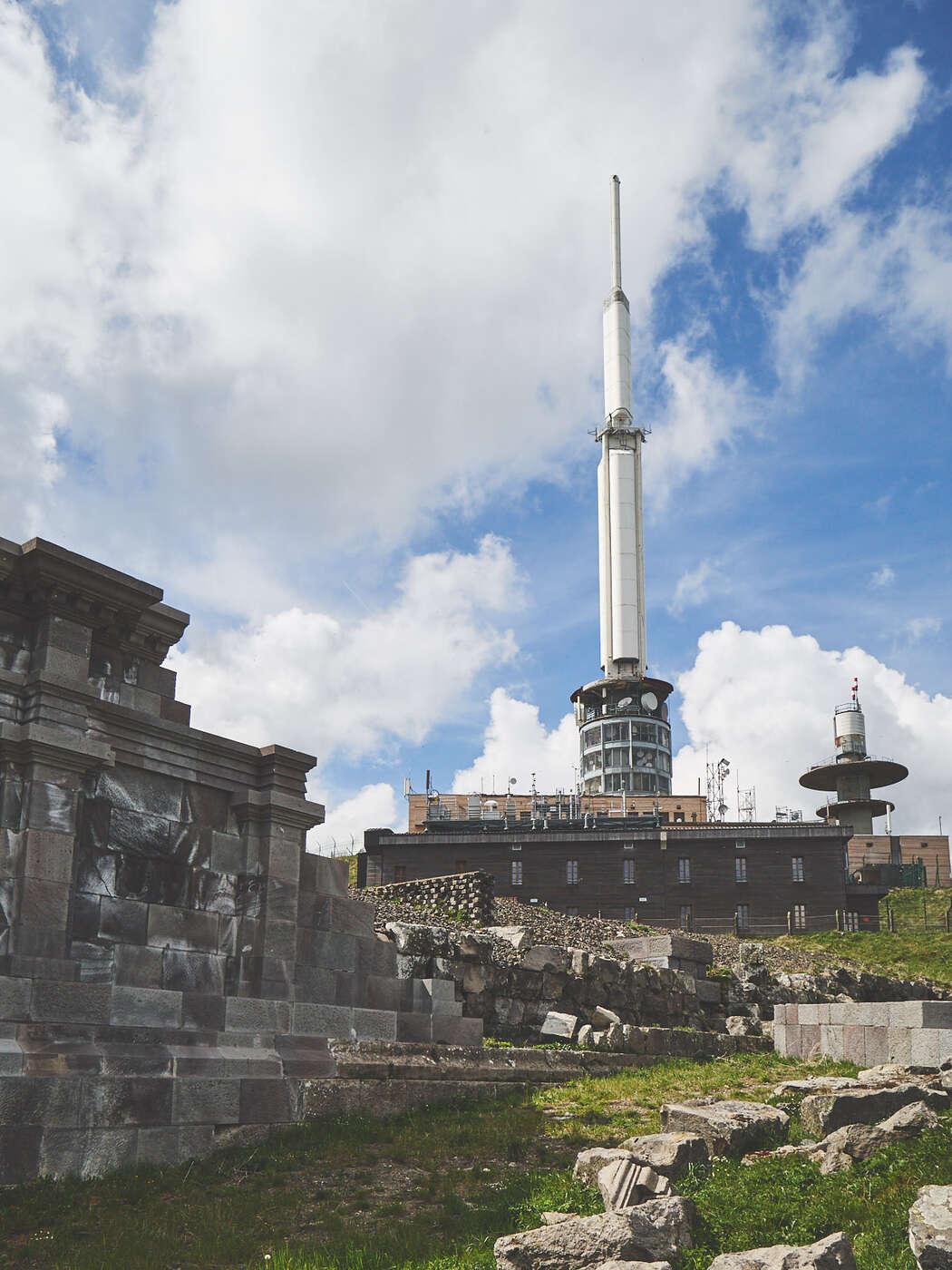 Temple de Mercure au Puy de Dôme
