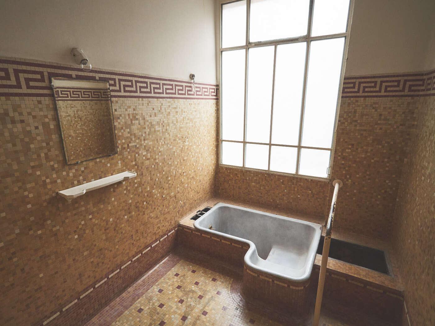 Cabine de bain privé, thermes du Mont-Dore