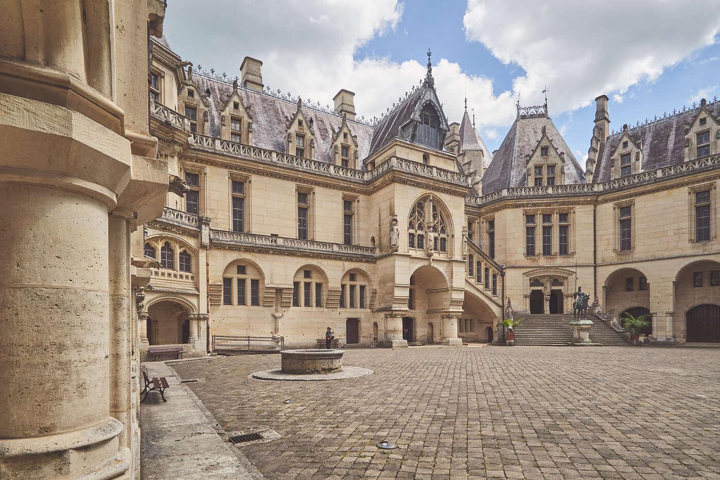 Cour du château de Pierrefonds