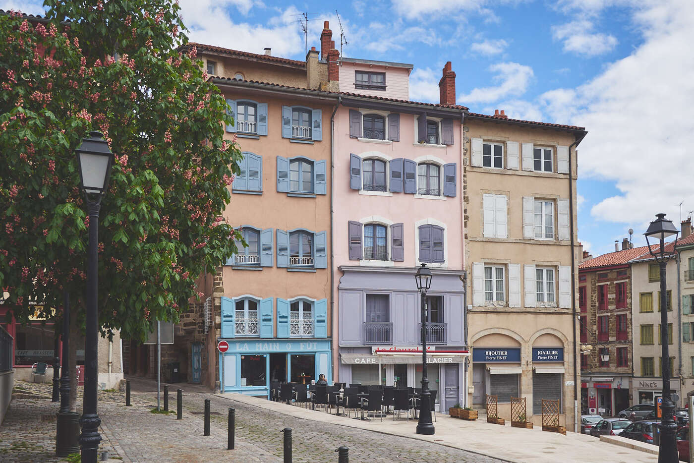 Place de l'office de tourisme, Puy-en-Velay