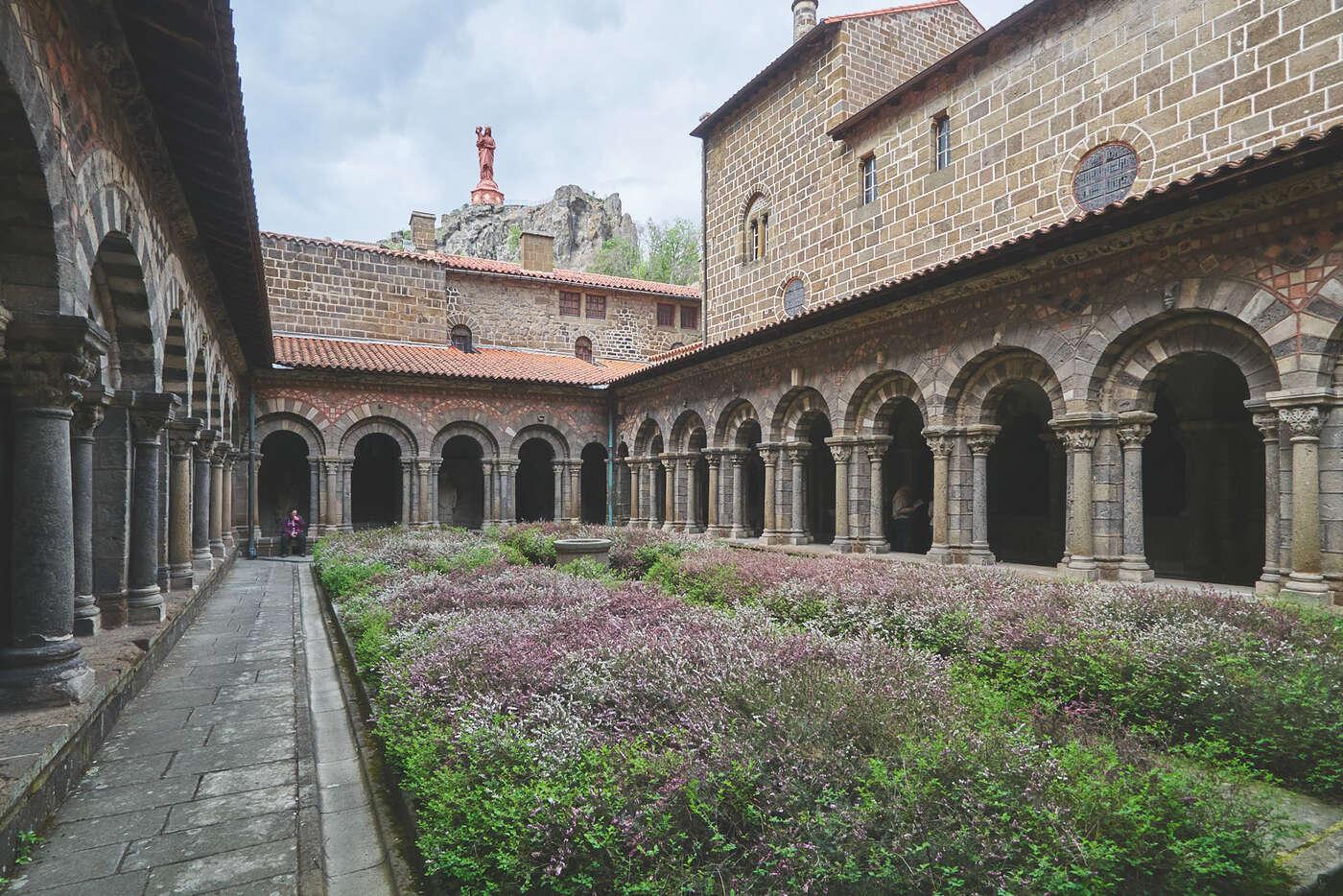Cloître de la cathédrale de Puy-en-Velay