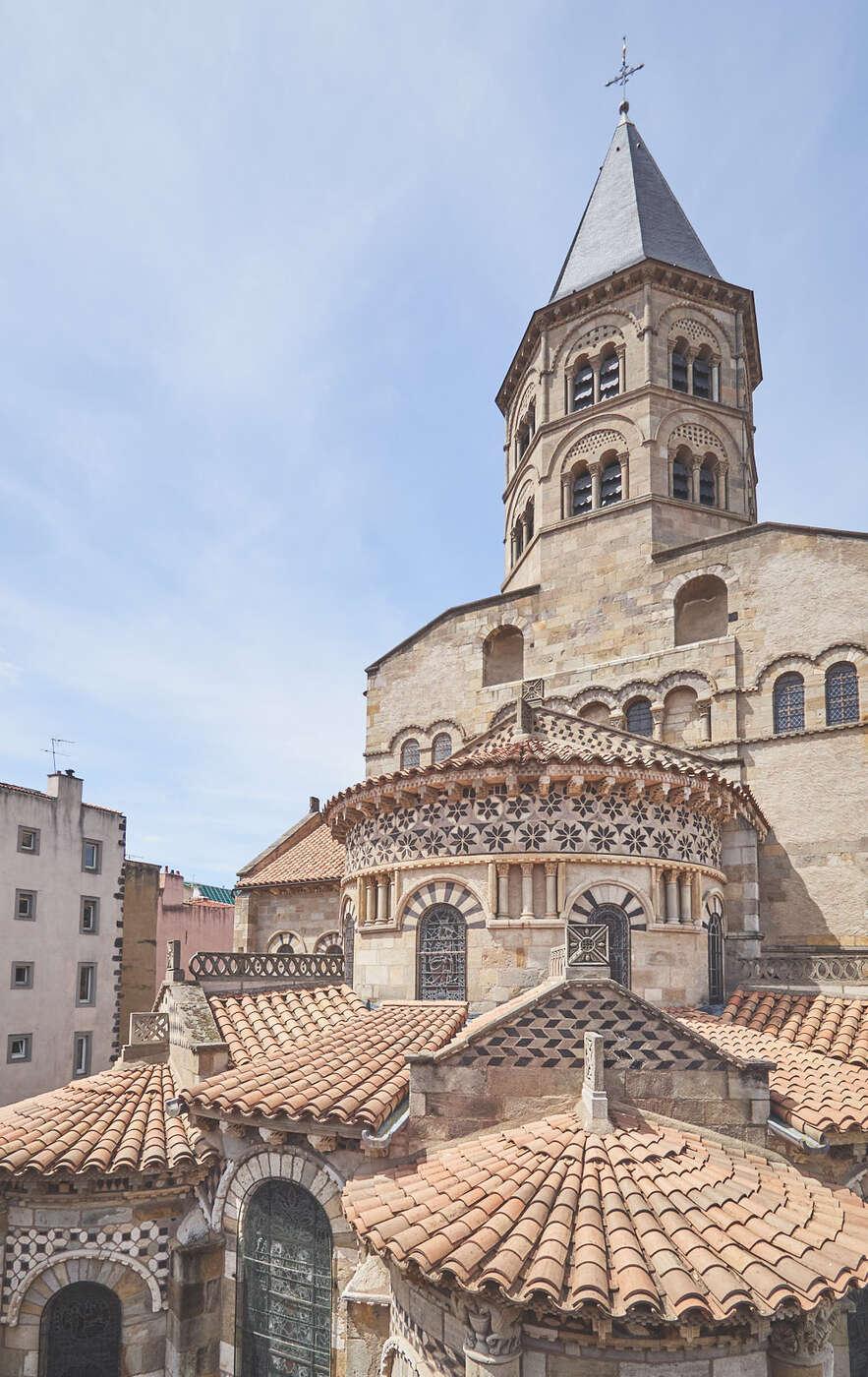 Basilique Notre-Dame-du-Port à Clermont-Ferrand