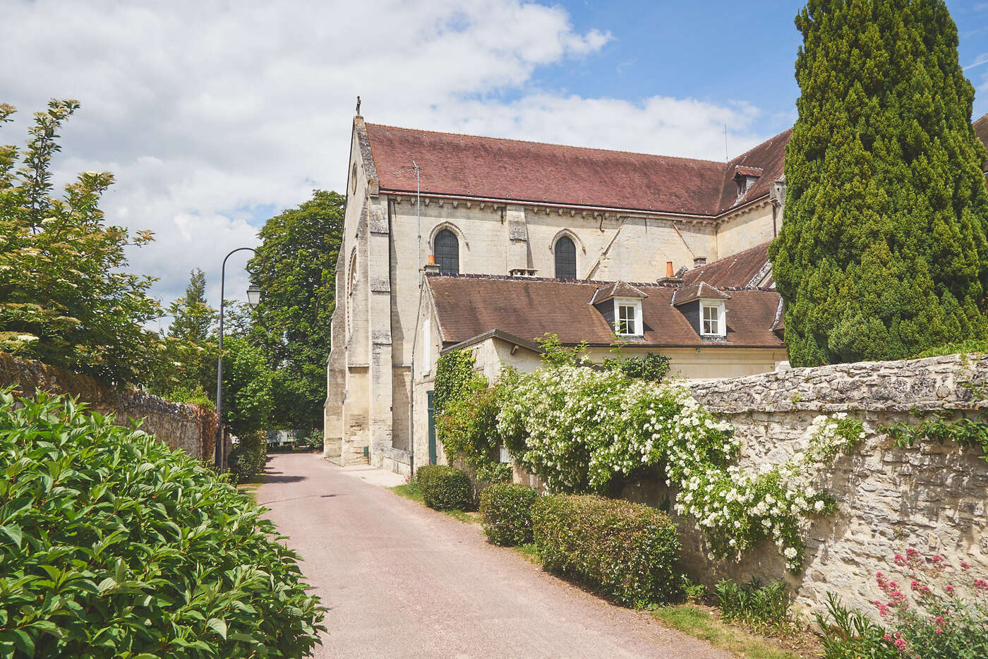 Abbaye de Saint-Jean-aux-Bois