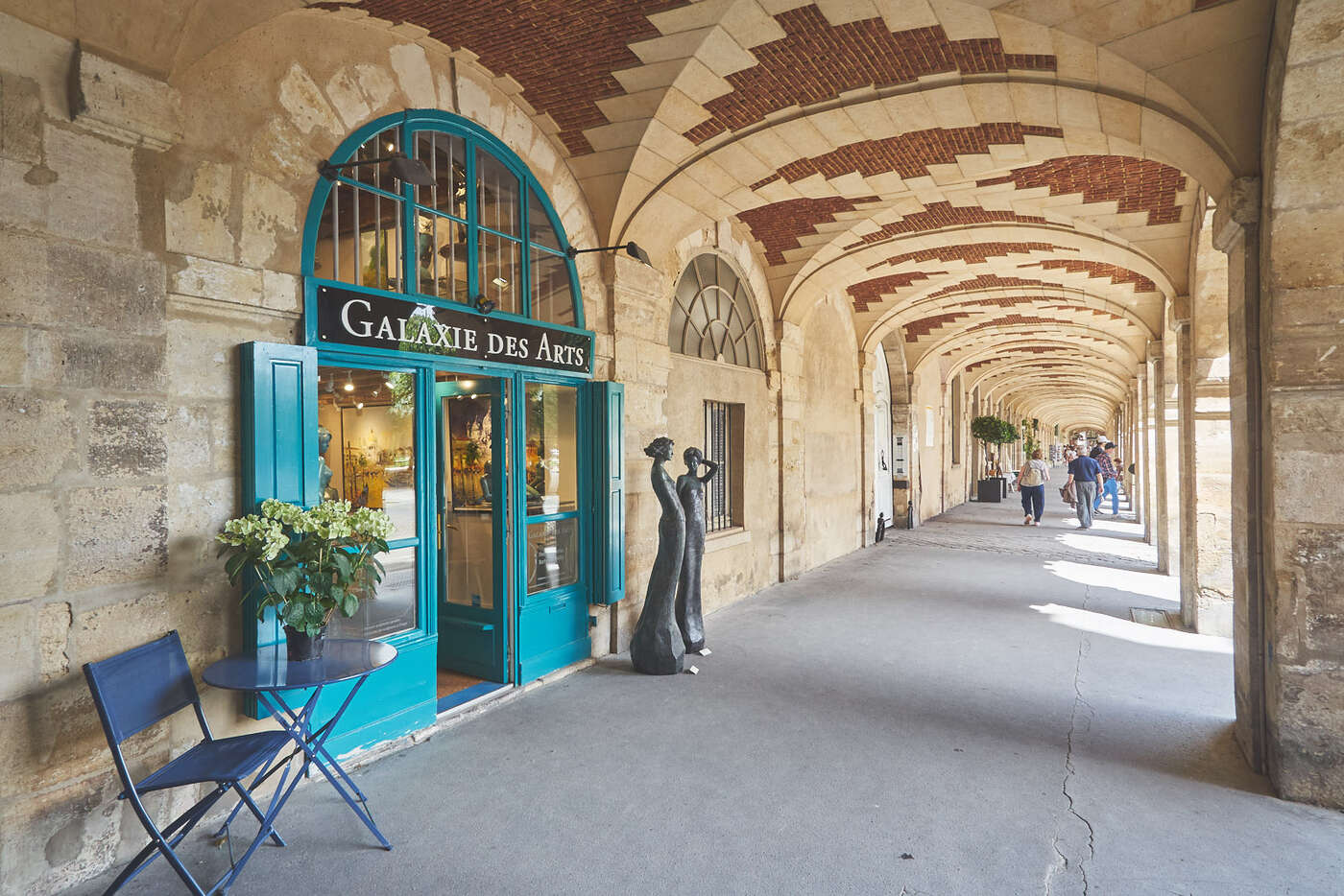 Galerie d'art sous la Place des Vosges