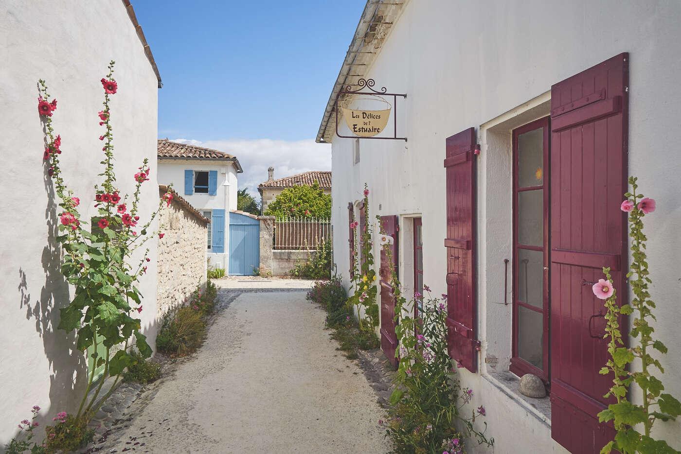 Rue du Médoc à Talmont-sur-Gironde