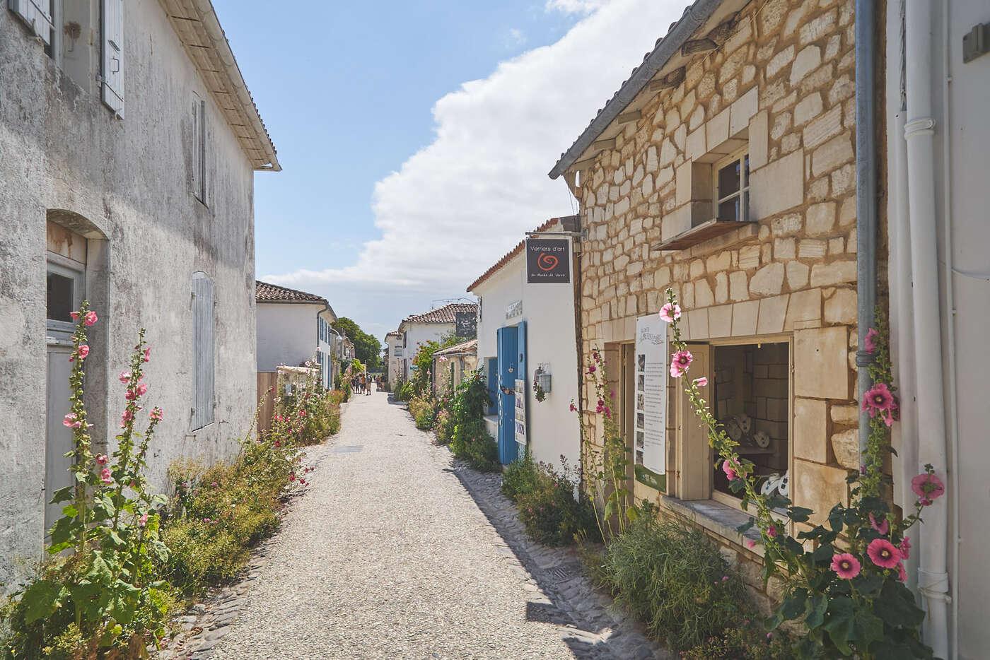 Rue commerçante de Talmont-sur-Gironde