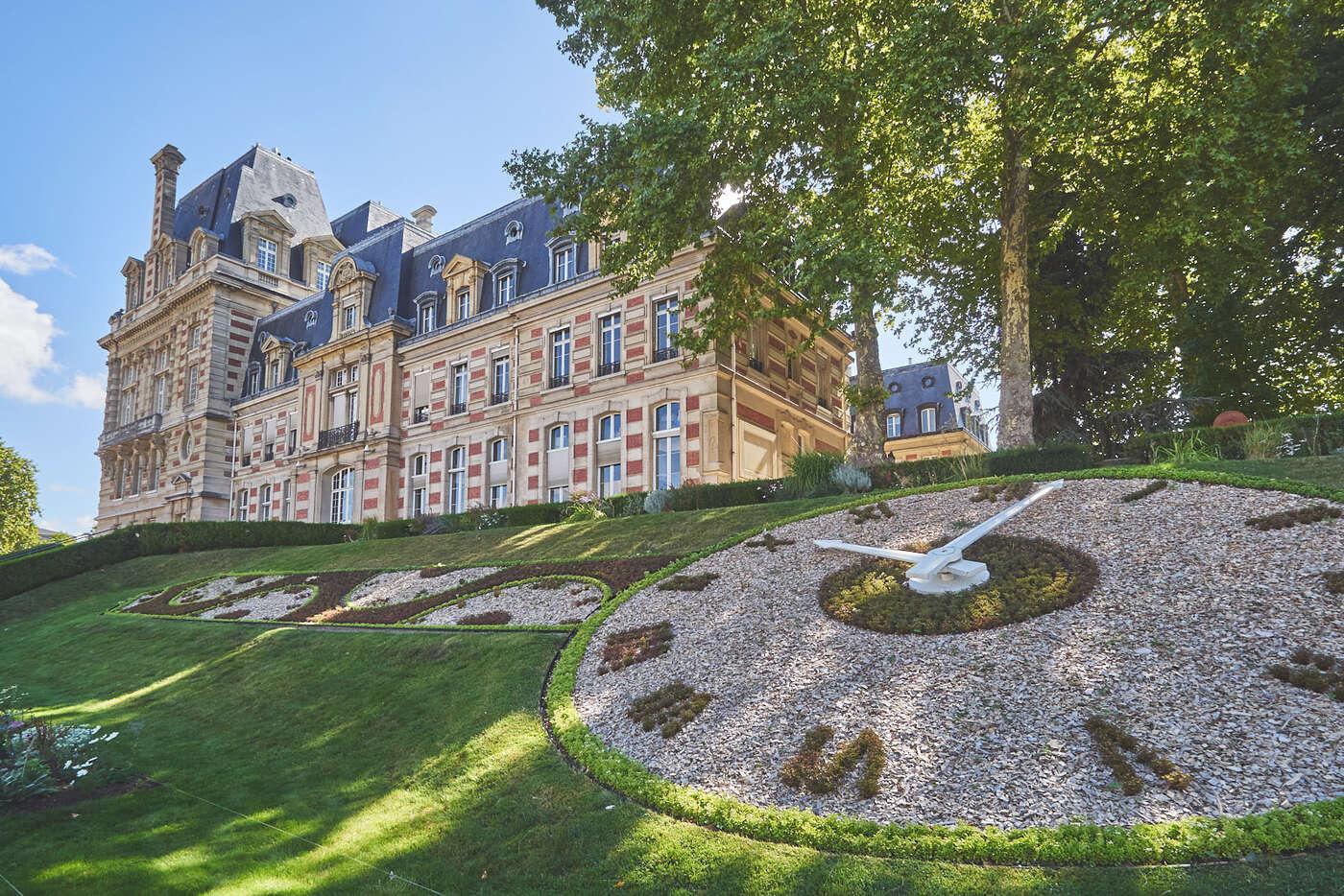 Abords de la maire de Versailles