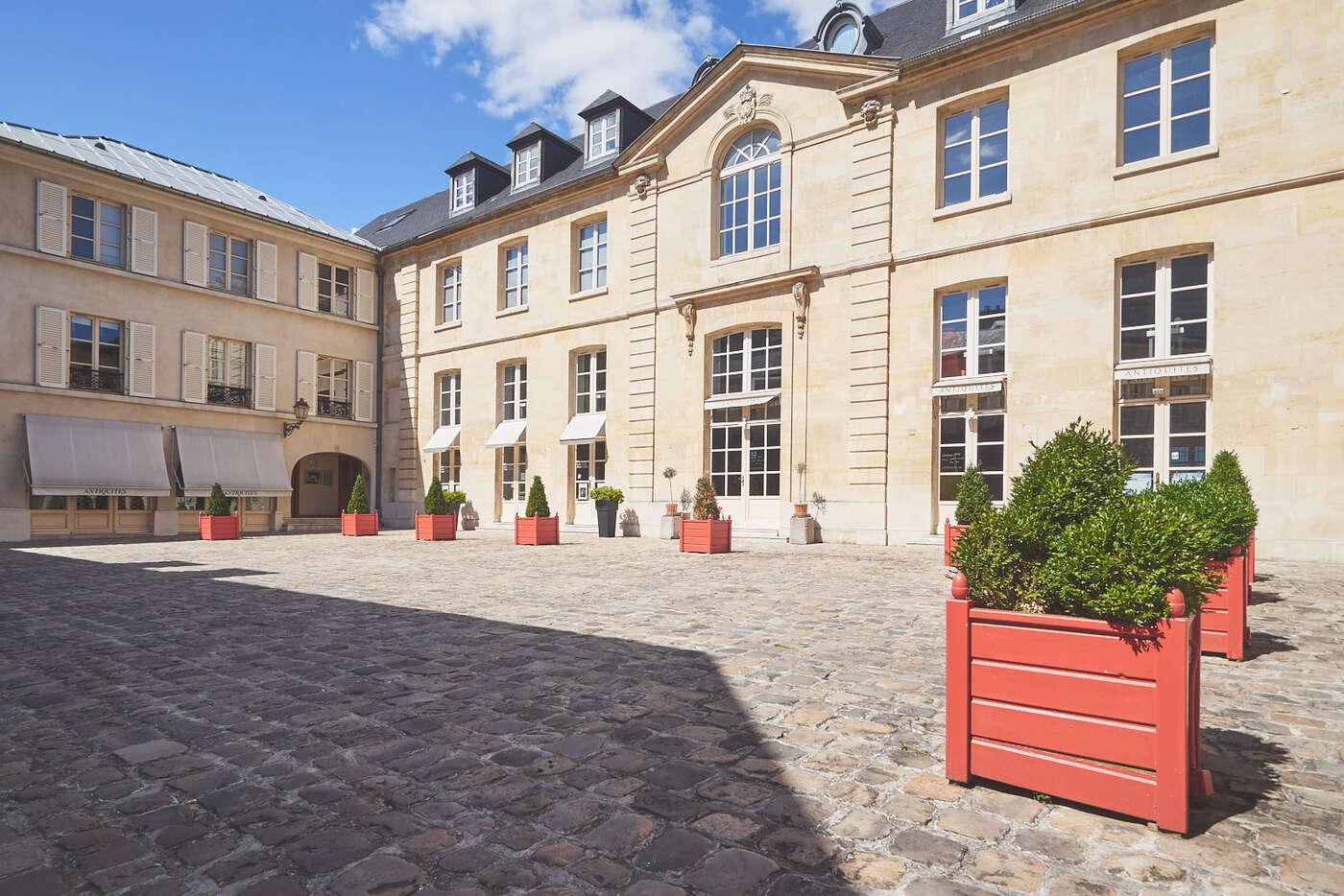 La cour des arts, Versailles