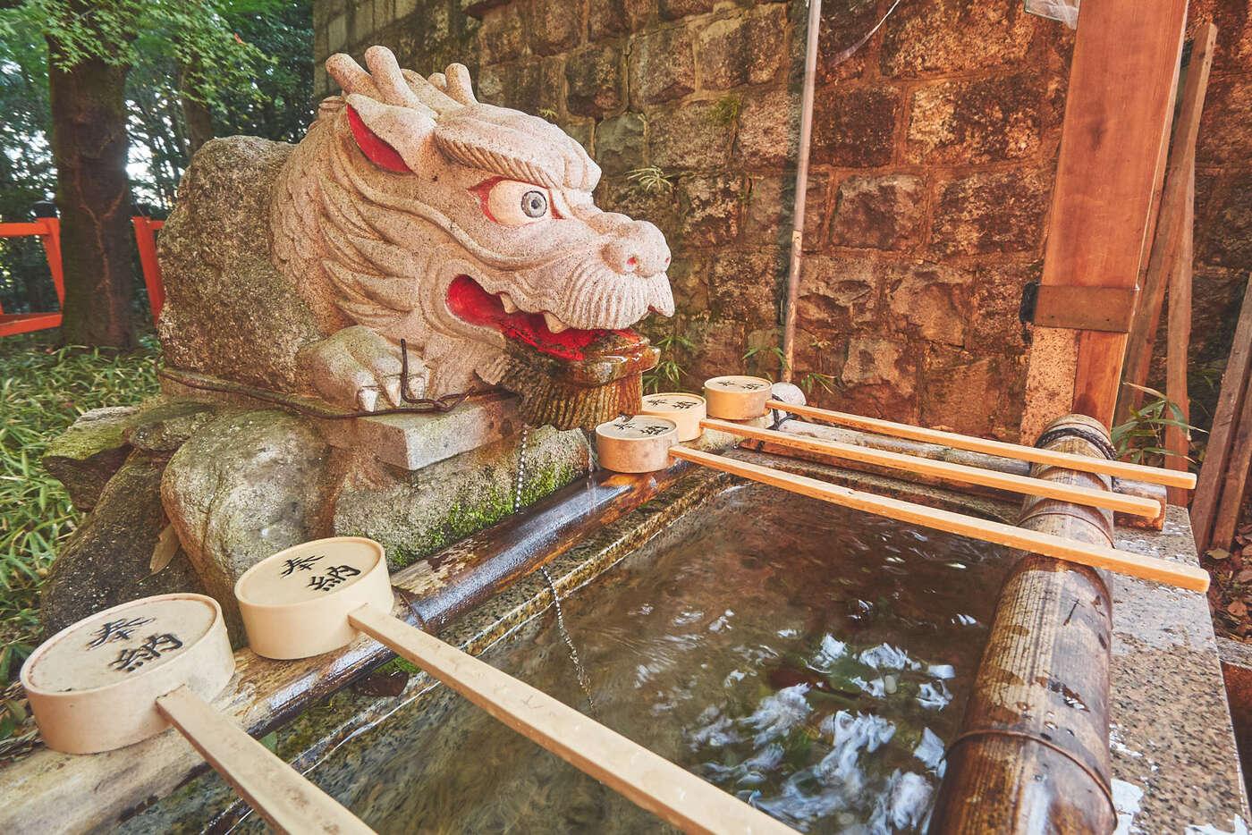Dragon des ablutions, Fushimi-Inari
