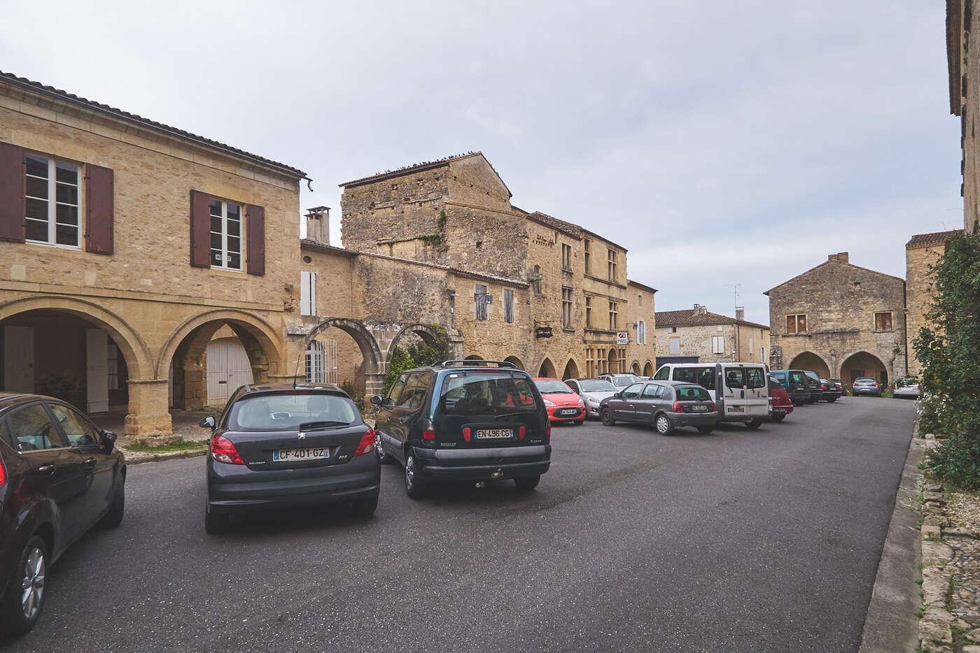 Place du Mercadiou, Saint-Macaire