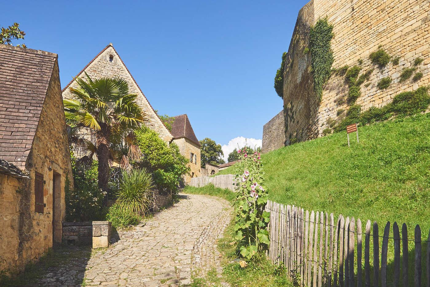 Murailles du château de Beynac