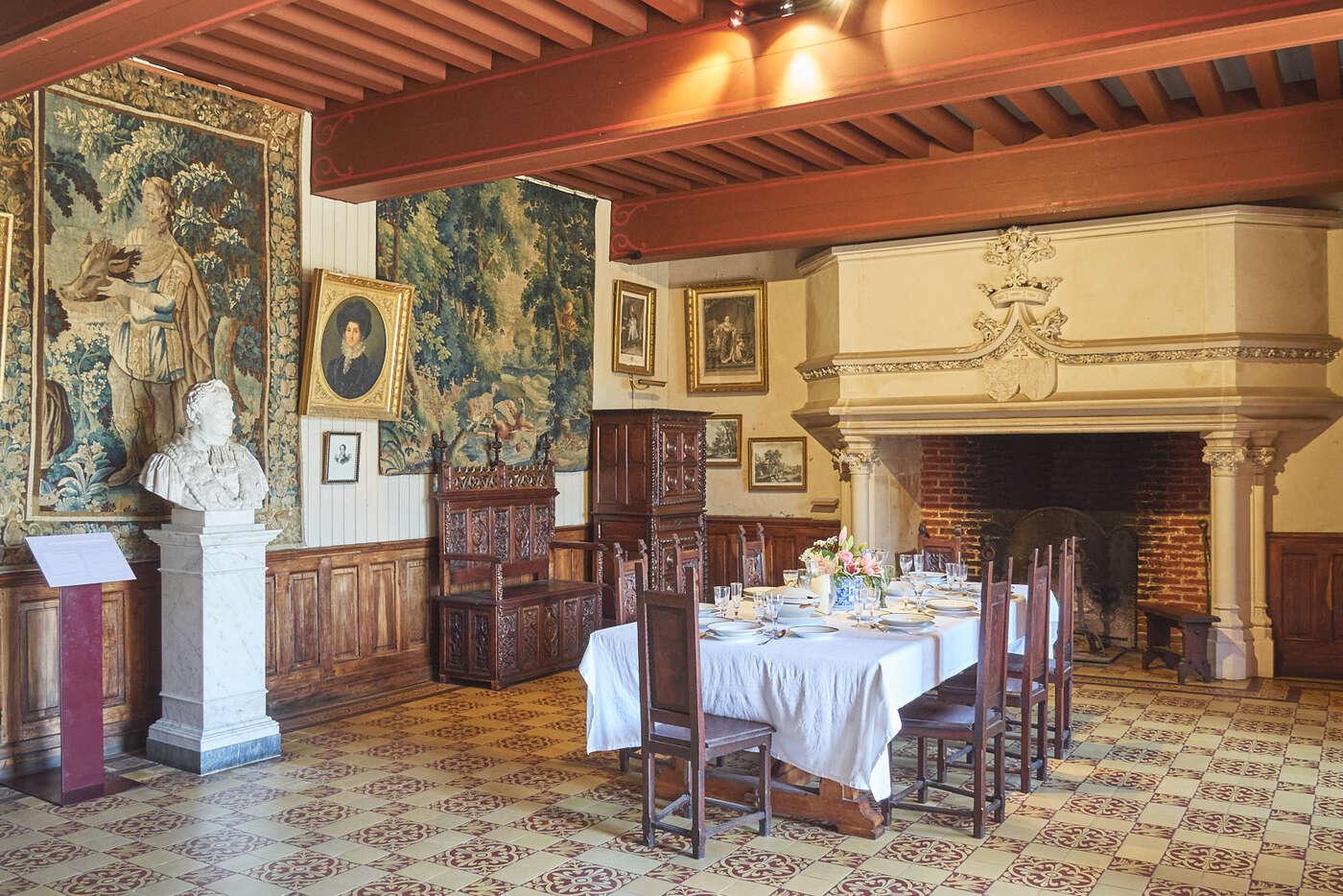 Salle basse du Château de Puymartin
