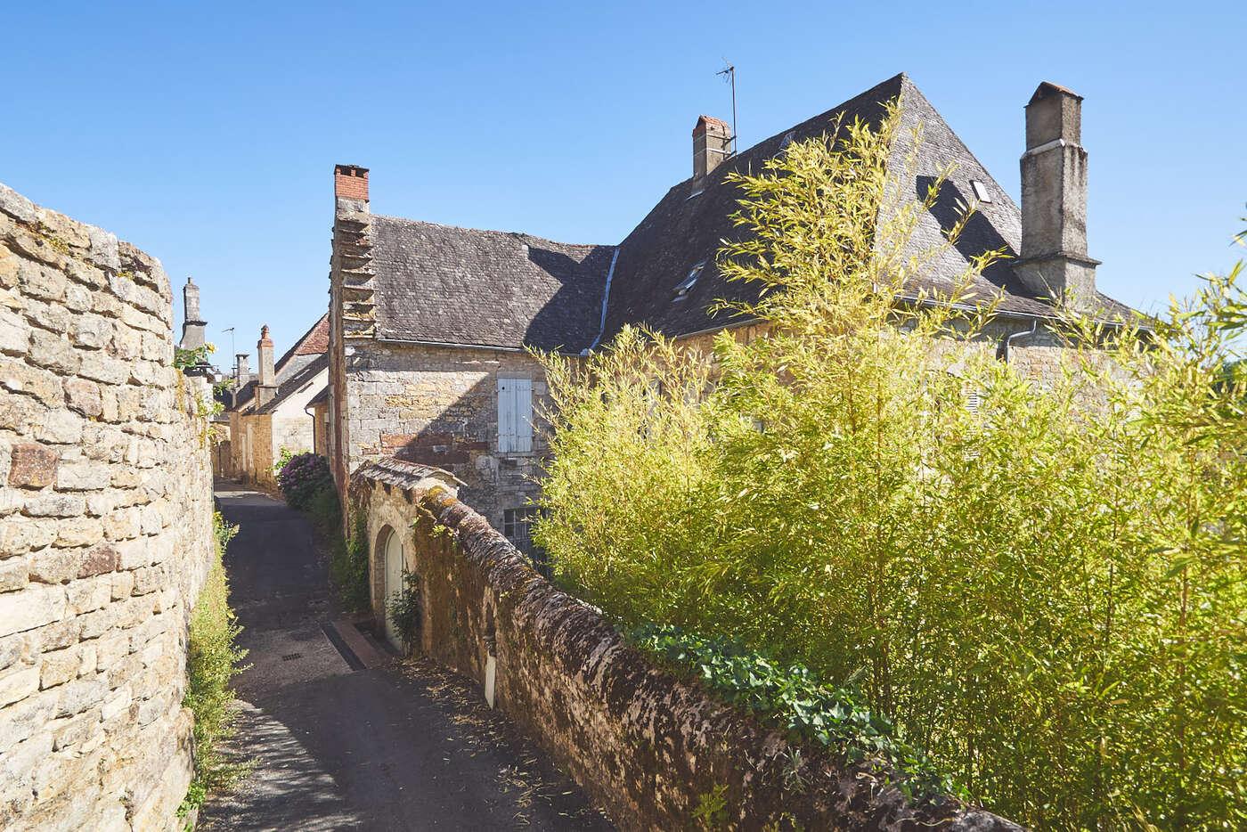Dans le village de Turenne