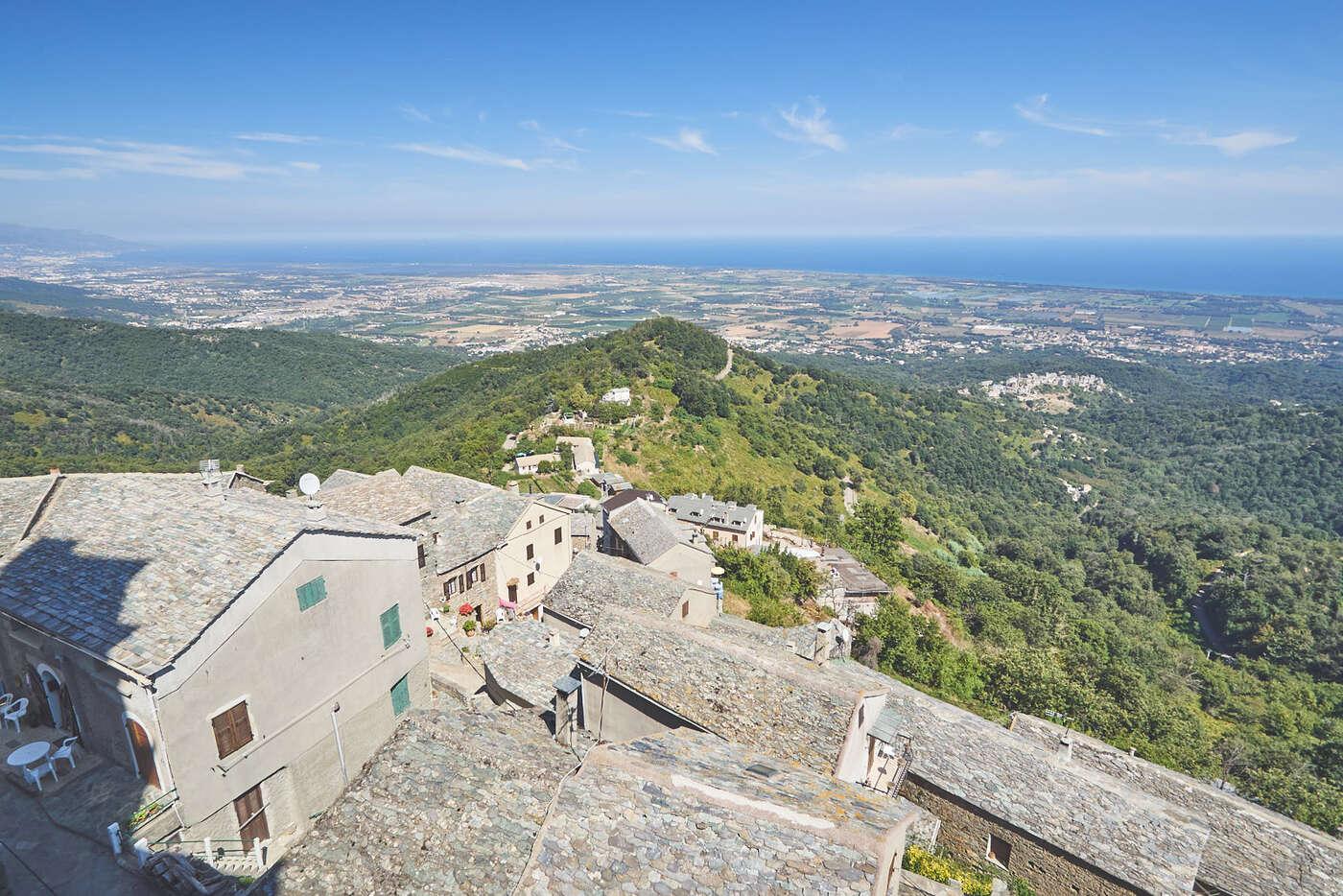 Vue depuis Loreto-di-Casinca, en Corse