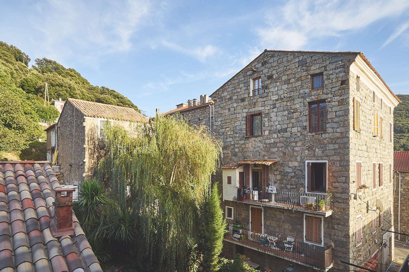 Toits de Sainte-Lucie-de-Tallano, en Corse