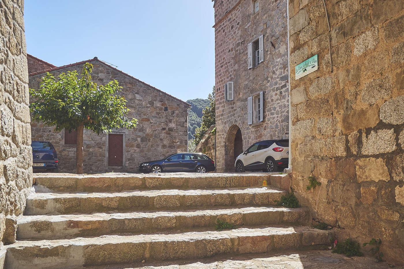 Ruelles de Sainte-Lucie-de-Tallano, en Corse