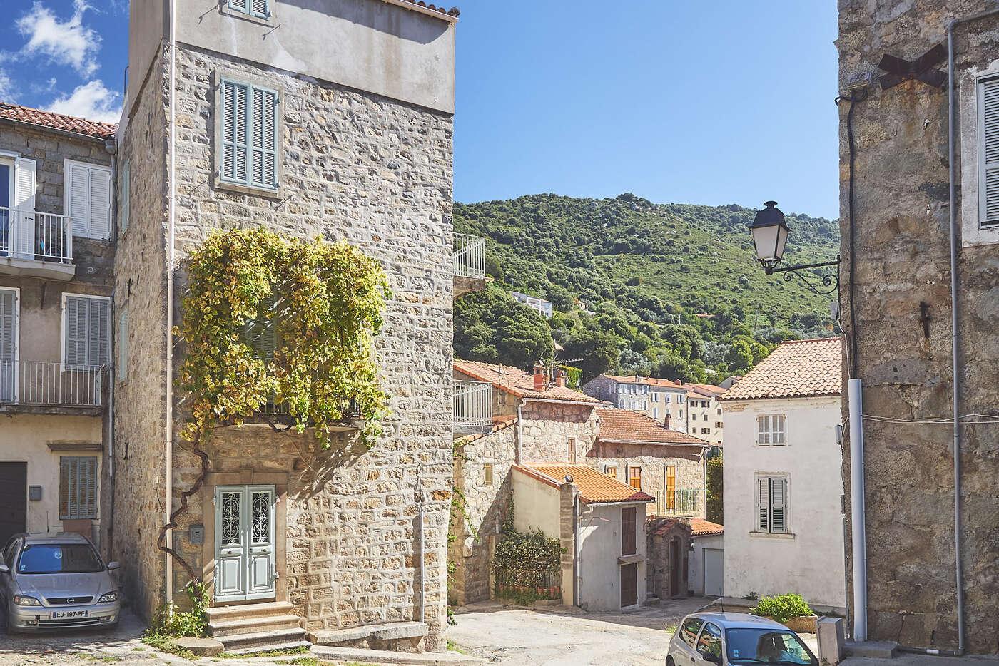 Rues de Sainte-Lucie-de-Tallano, en Corse