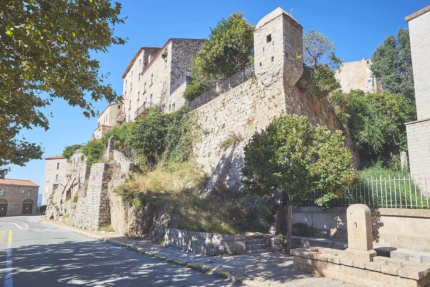 Murs de Sartène, Corse